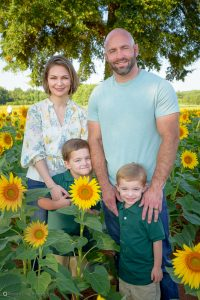 What to wear for a Family portrait in sunflower field